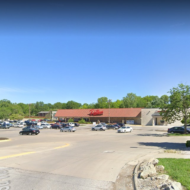 Dillon's Store in Lawrence fouls 3rd straight annual inspection with myriad food kept at unsafe temperatures